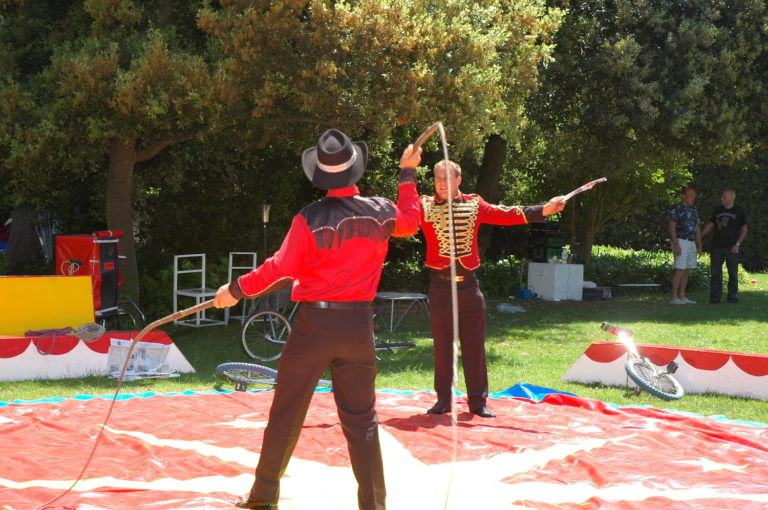 PRIVATE CIRCUS FOR KIDS BIRTHDAY