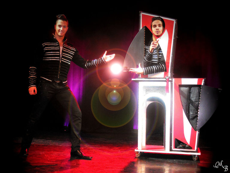 ILLUSION SHOW FOR KIDS
